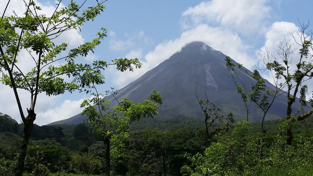 Costa Rica Decides To Open Up To America